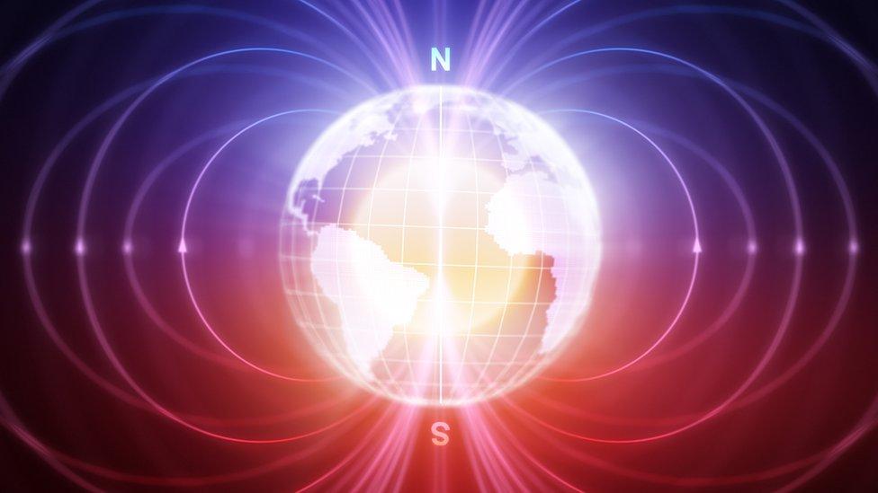 El veloz e inesperado cambio en el campo magnético de la Tierra que los científi ...