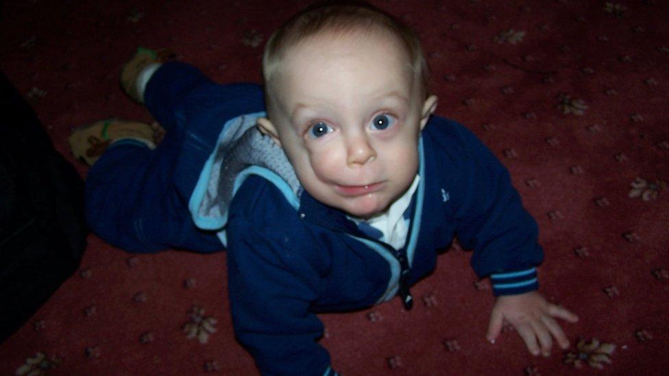 Marcus cuando era un bebé