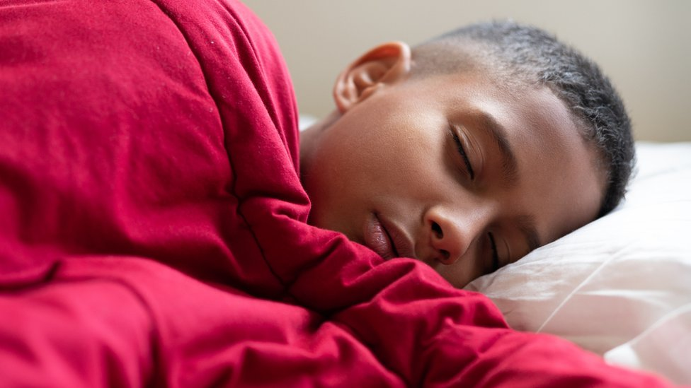 World Sleep Day: What happens when you sleep? - CBBC Newsround