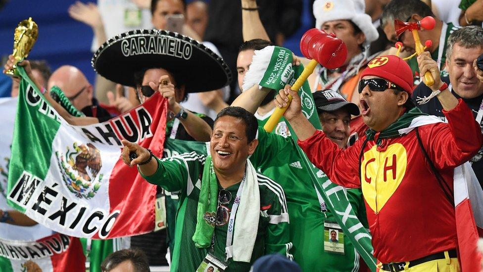 """En México siguen defendiendo que el grito """"Ehhh, pu?"""" forma parte de su cultura, pero la FIFA lo considera discriminatorio."""