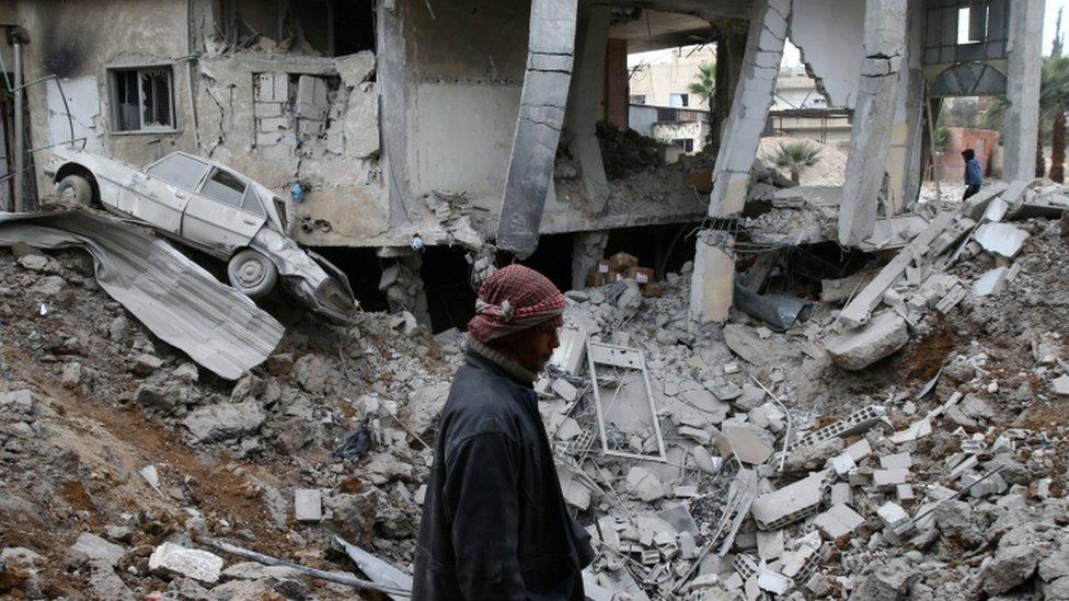 تتعرض الغوطة الشرقية لوابل قصف يومي