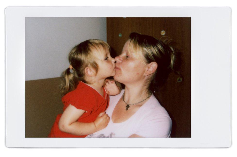 A polaroid of Anna and Valeria