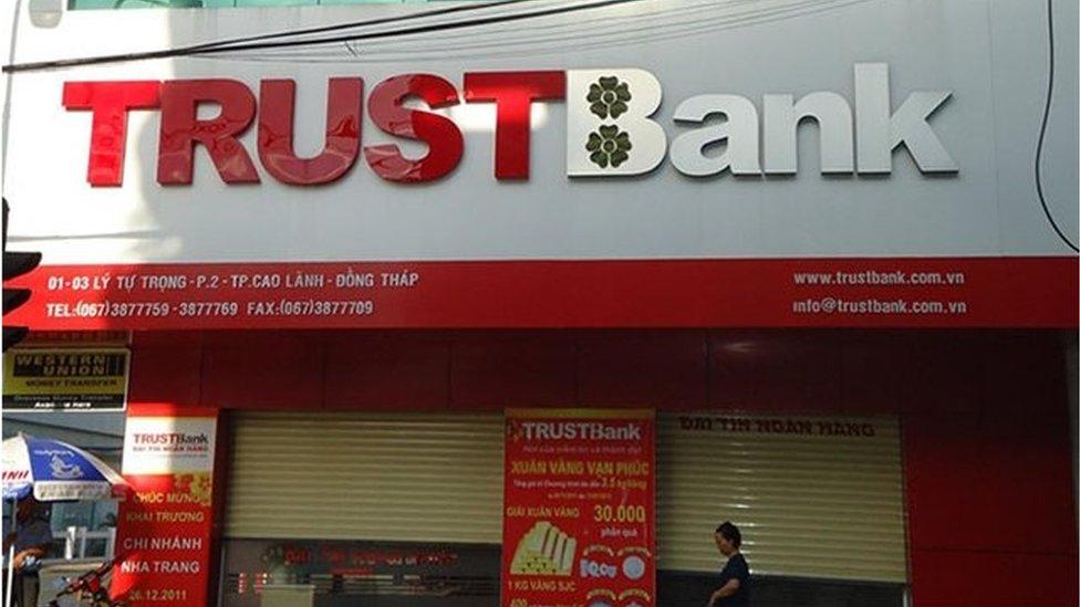 Cổ đông lớn của Trustbank bà Hứa Thị Phấn bị khởi tố