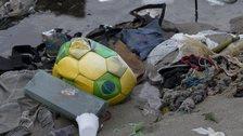 Rubbish in Guanabara Bay