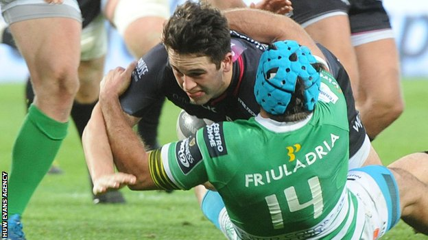 Owen Watkin goes over for Ospreys against Treviso in the Pro12
