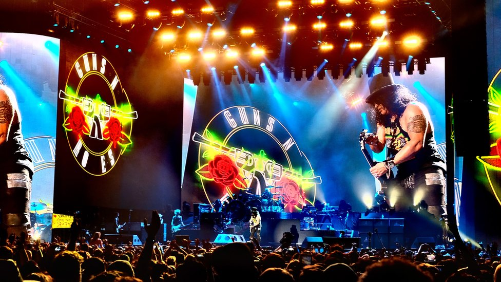 Arrests at Guns N' Roses New Jersey gig