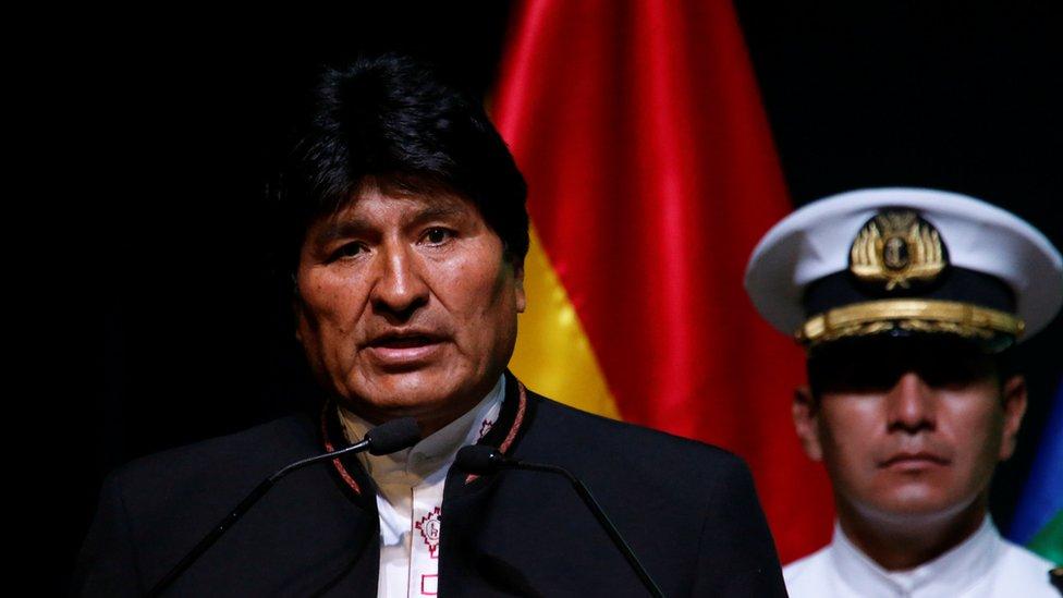 Evo Morales reclamó en la reunión de productores de gas de Santa Cruz aseguró que su política de nacionalización de los hidrocarburos favoreció a la economía boliviana.