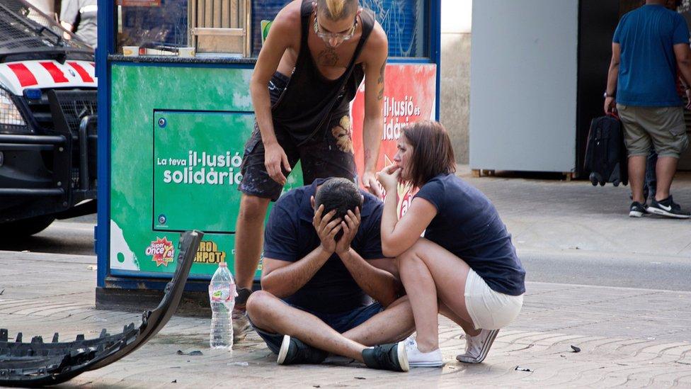 Abatieron a cinco terroristas que querían realizar un segundo atentado — Cataluña