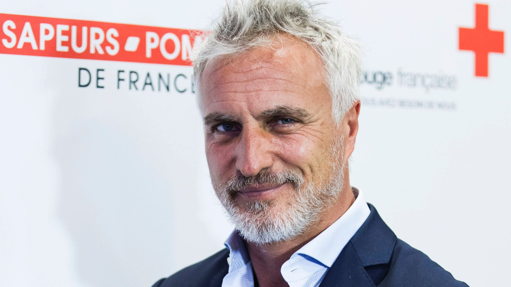 Ginola thanks first-aiders after cardiac arrest