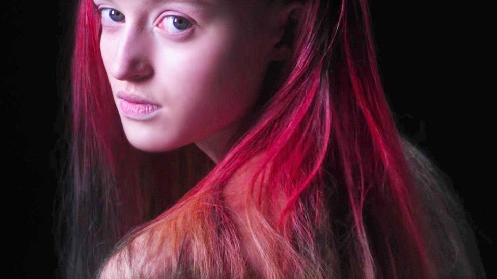 Lanzan tinte para el cabello que cambia con el calor