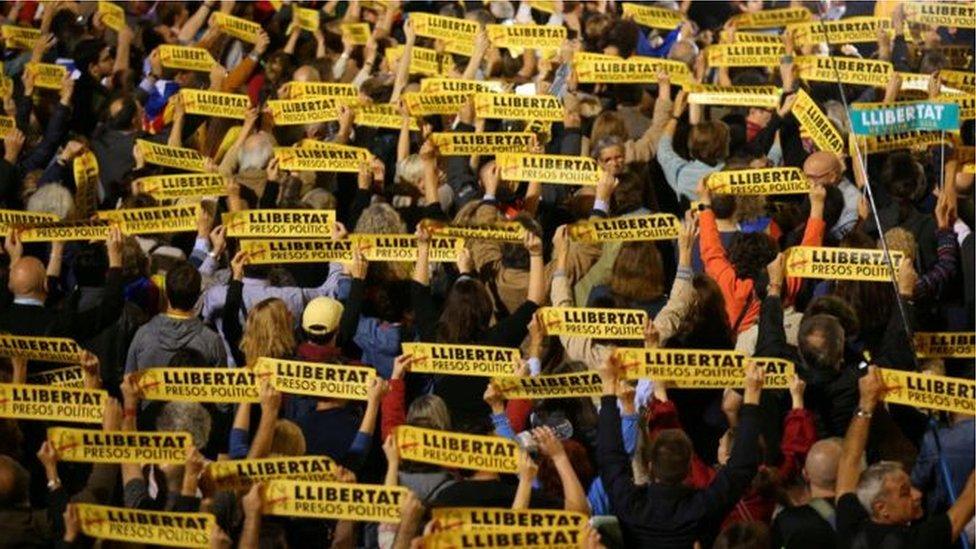 جرت مظاهرات في برشلونة السبت مناهضة لاحتجاز المطالبين باستقلال الاقليم