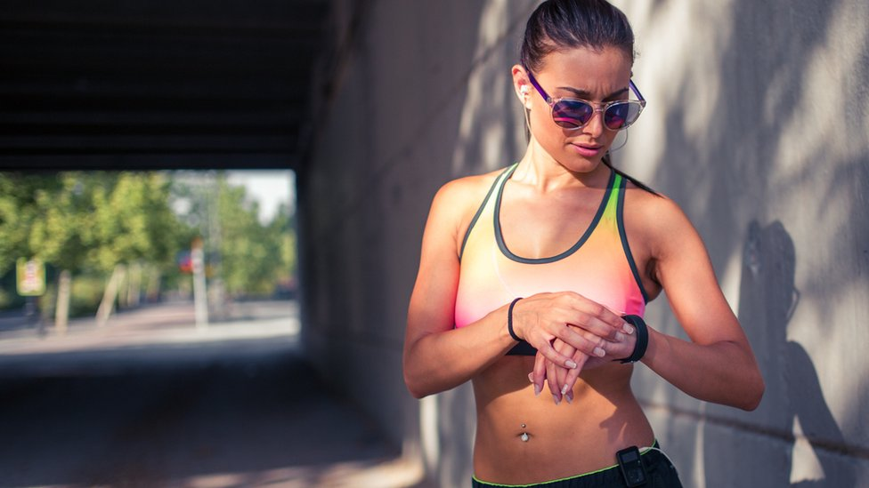 Fitness trackers 'poor at measuring calories burned'