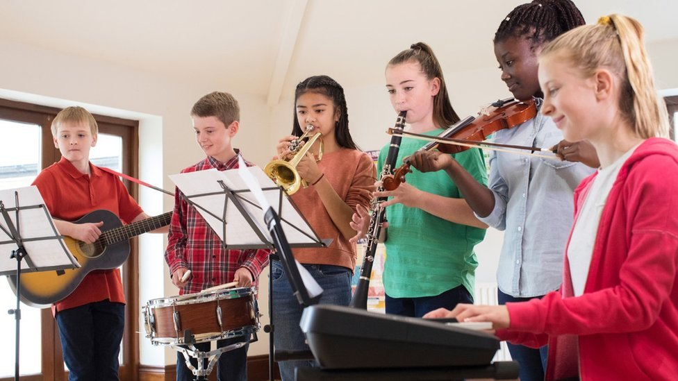 Teaching music in school 'ticking boxes' as numbers fall