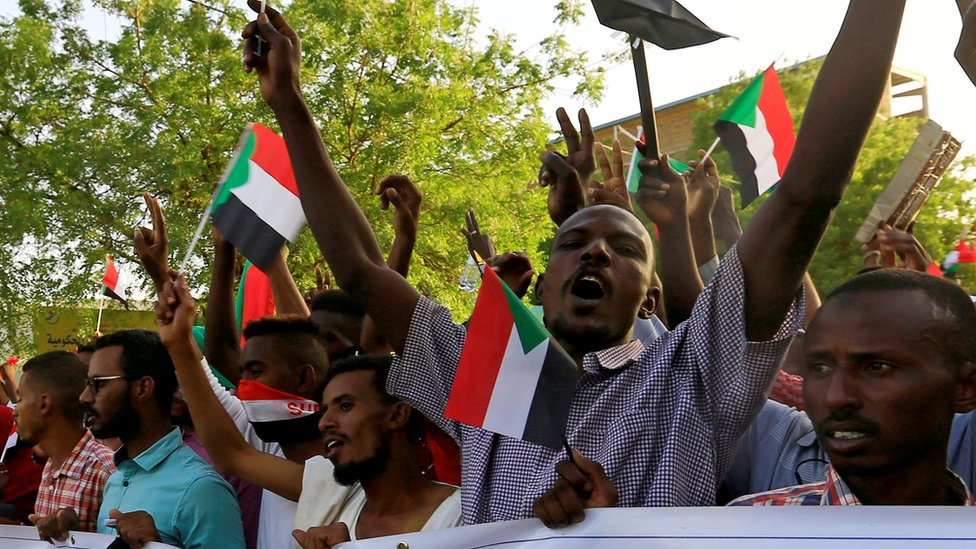 Sudan crisis: Military issue protest warning