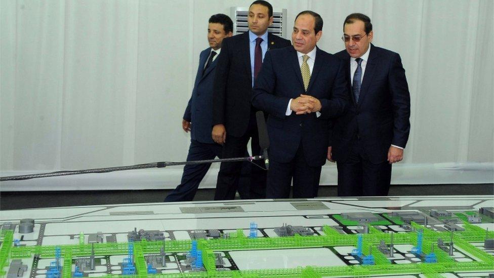 الرئيس عبد الفتاح السيسي أثناء حفل افتتاح مشروع حقل استخراج الغاز الطبيعي في مدينة بورسعيد