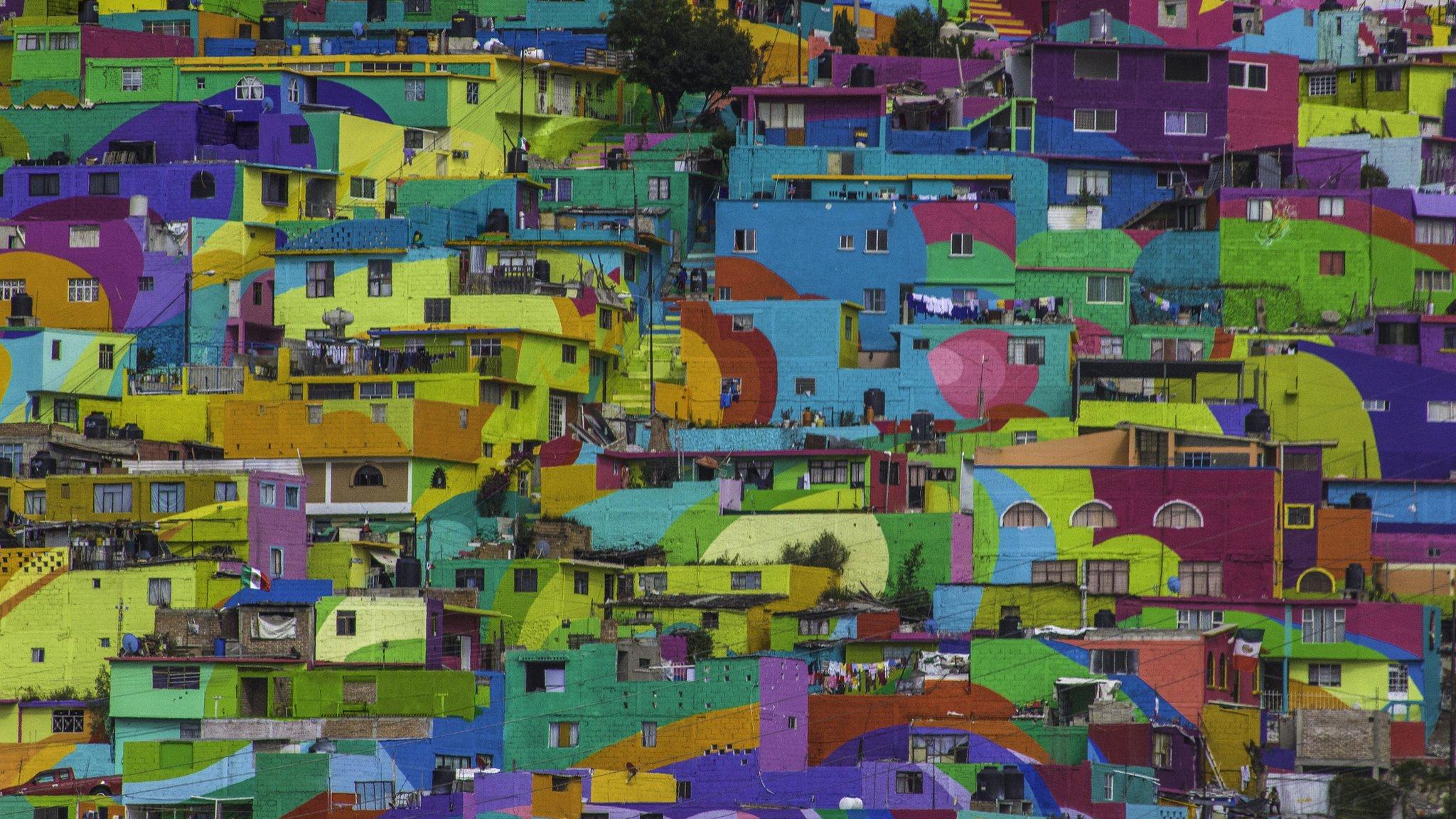 Mexican muralists transform violent neighbourhoods