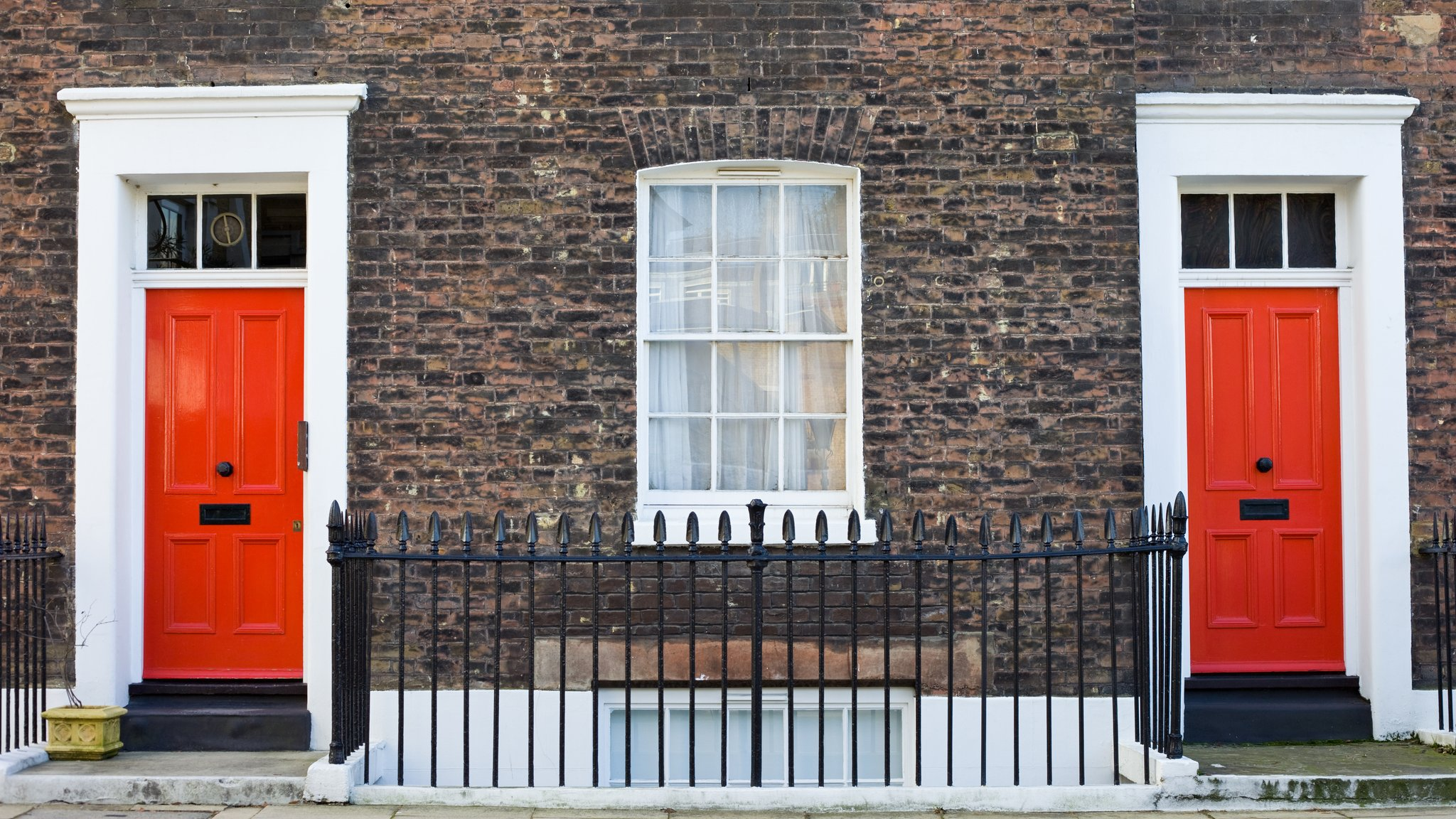 Brexit gloom to hit housing market into 2019, says RICS