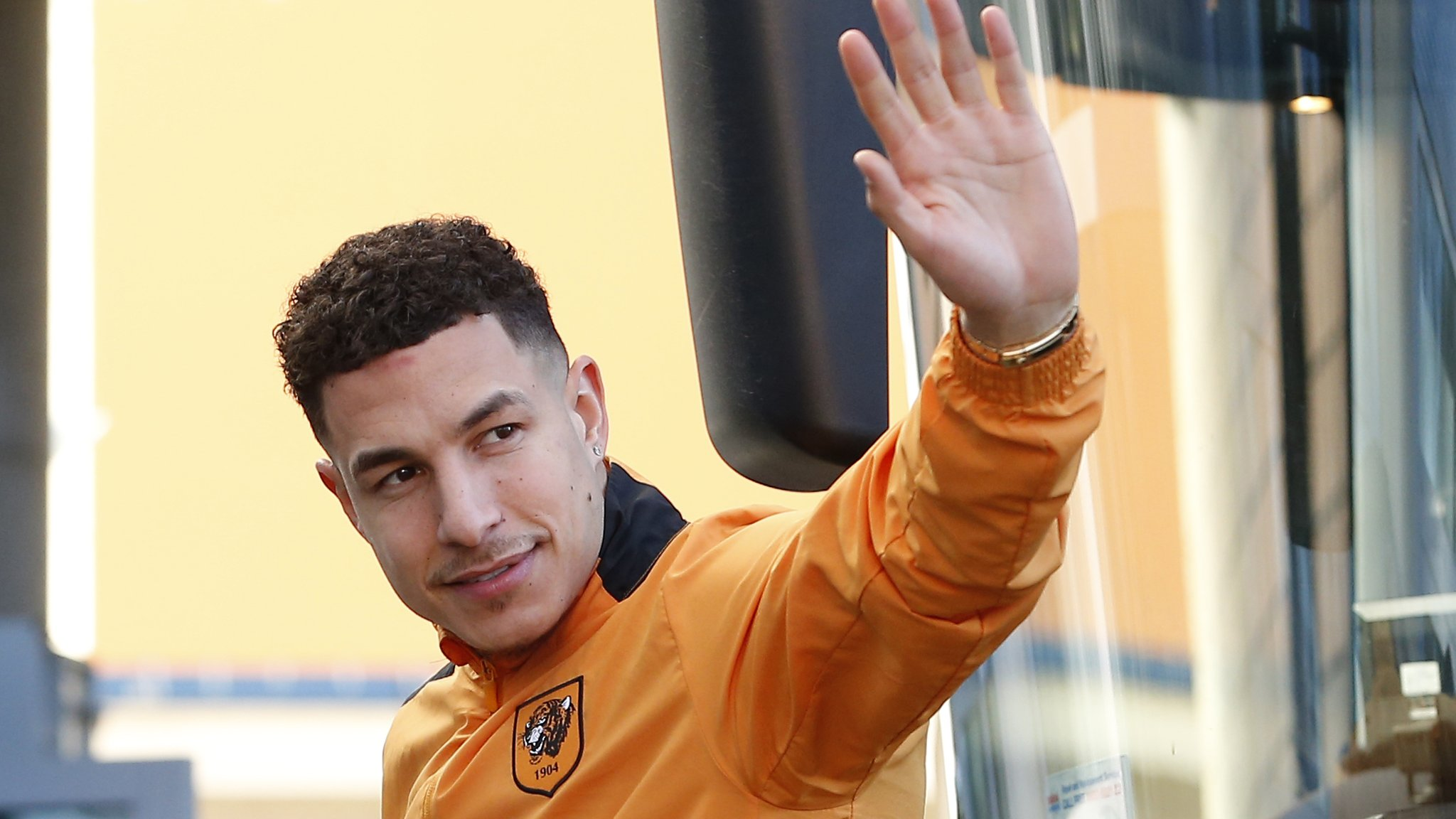 Hull's Livermore joins West Brom for £10m