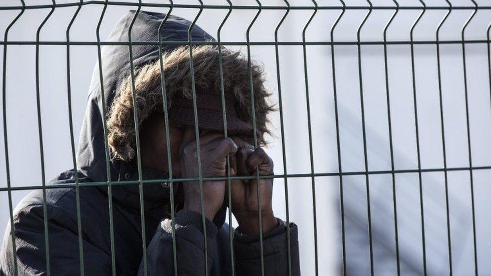 Calais migrants: France prepares to demolish 'Jungle' camp