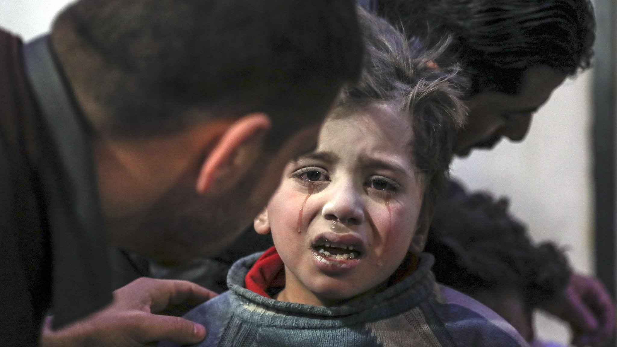 Syria war: War crimes committed in Eastern Ghouta battle - UN | BBC