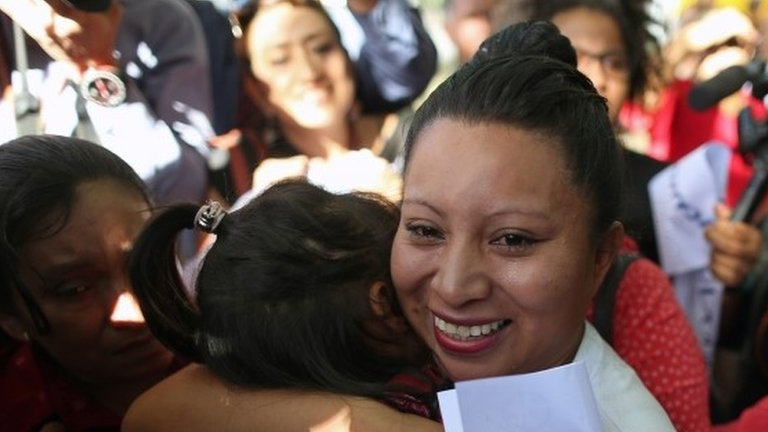 El Salvador baby death: Teodora Vásquez freed after 9 years
