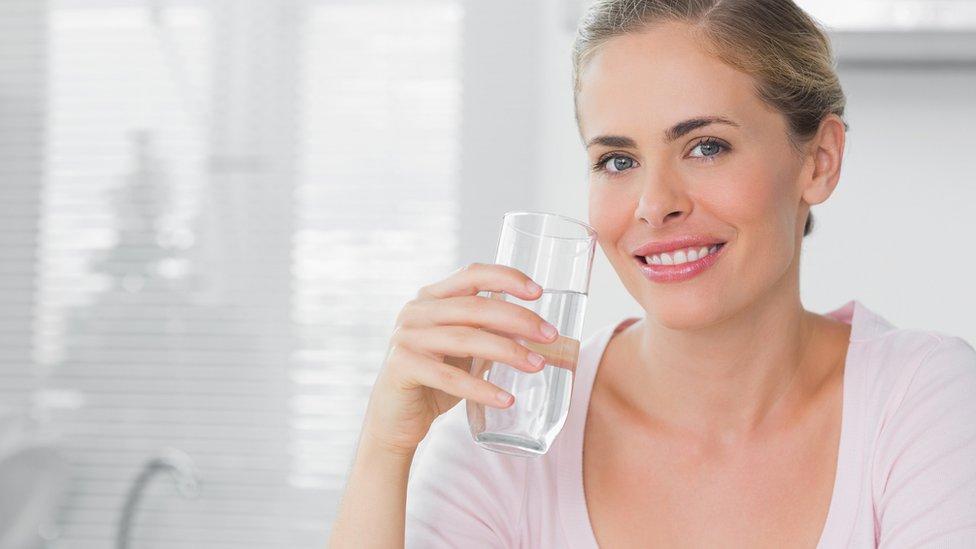 Puedo tomar alcohol durante el embarazo? - BabyCenter