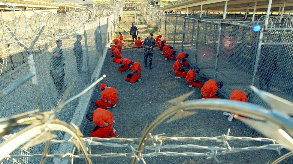 En Guantánamo ha habido detenidos desde 2002, cuando iniciaba la ofensiva de Estados Unidos contra el terrorismo en Medio Oriente.