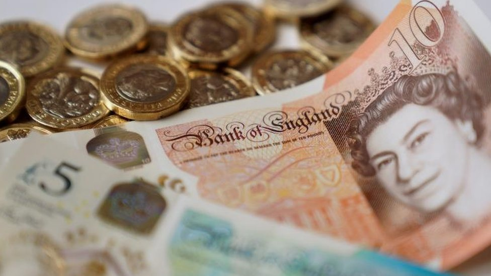UK inflation rate falls slightly
