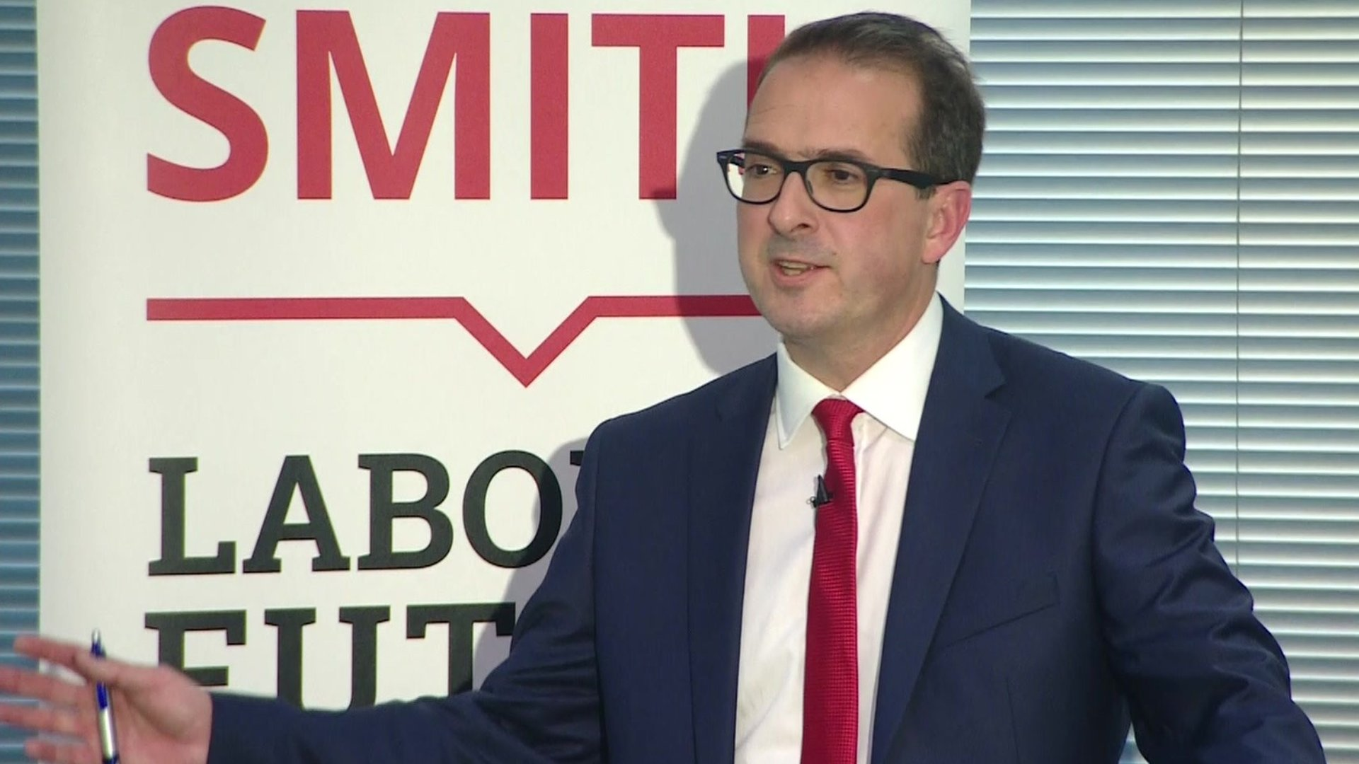 Owen Smith proposes wealth tax to boost NHS spending