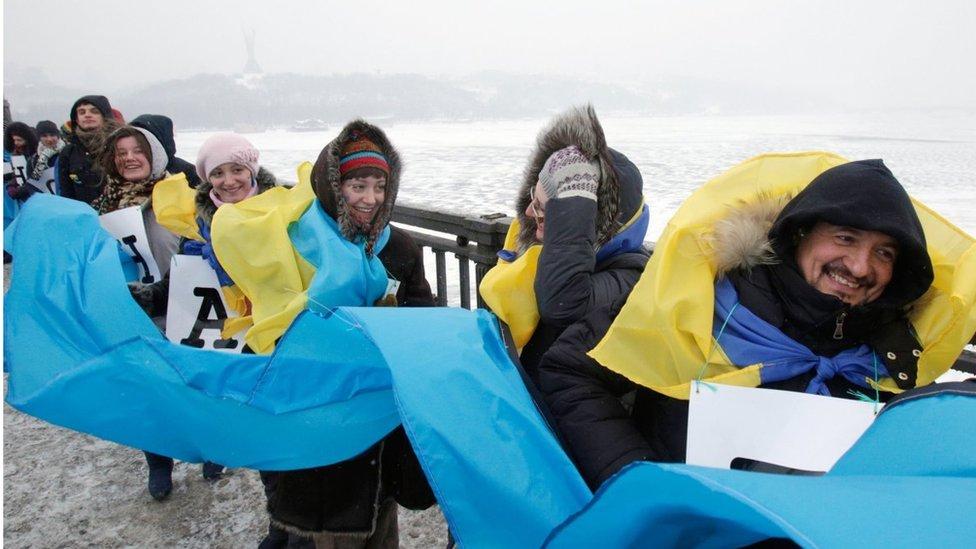 Порошенко поздравил с Днем соборности и отверг идею отказа от Донбасса