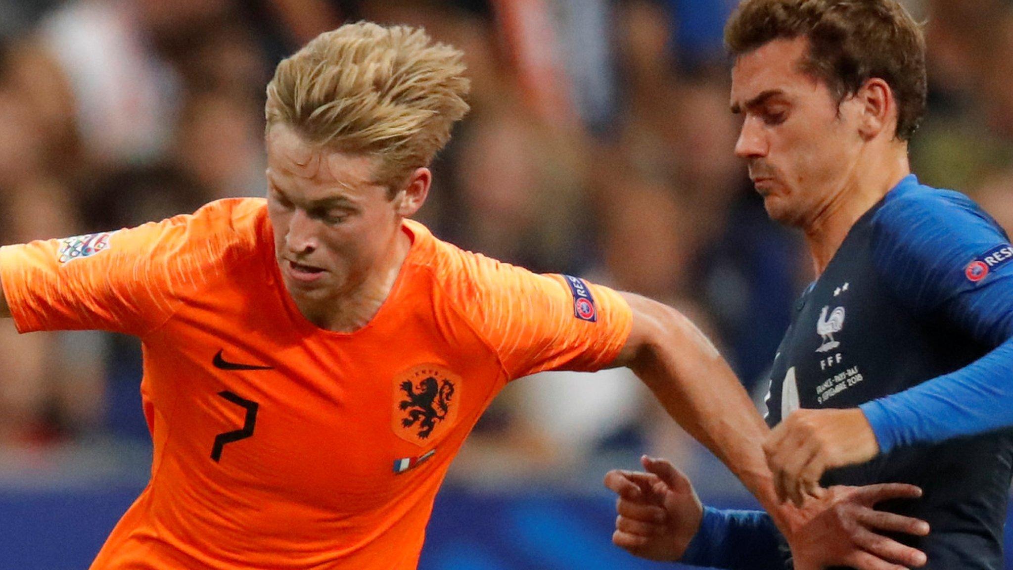 Gossip: Tottenham have De Jong bid rejected