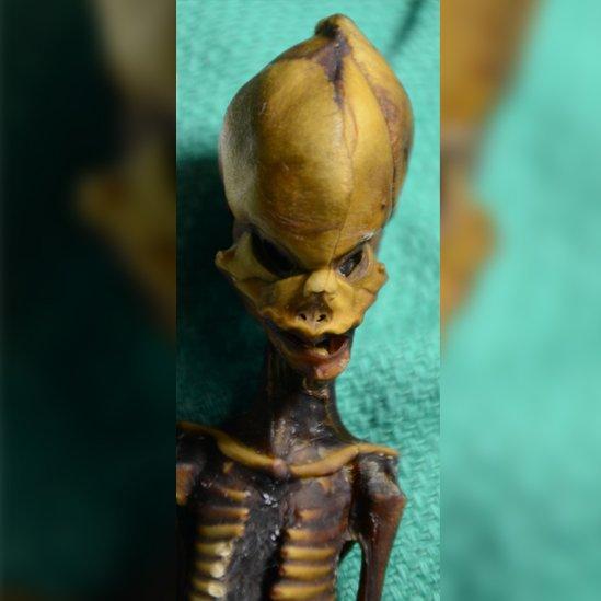 Esqueleto momificado de niña Ata.