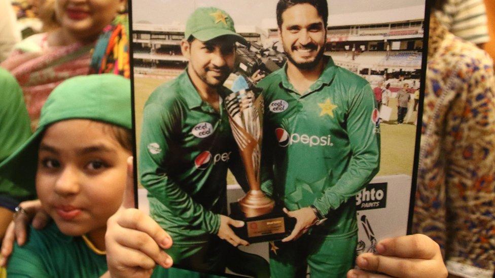 وطن واپسی پر پاکستانی کرکٹ ٹیم کا والہانہ استقبال