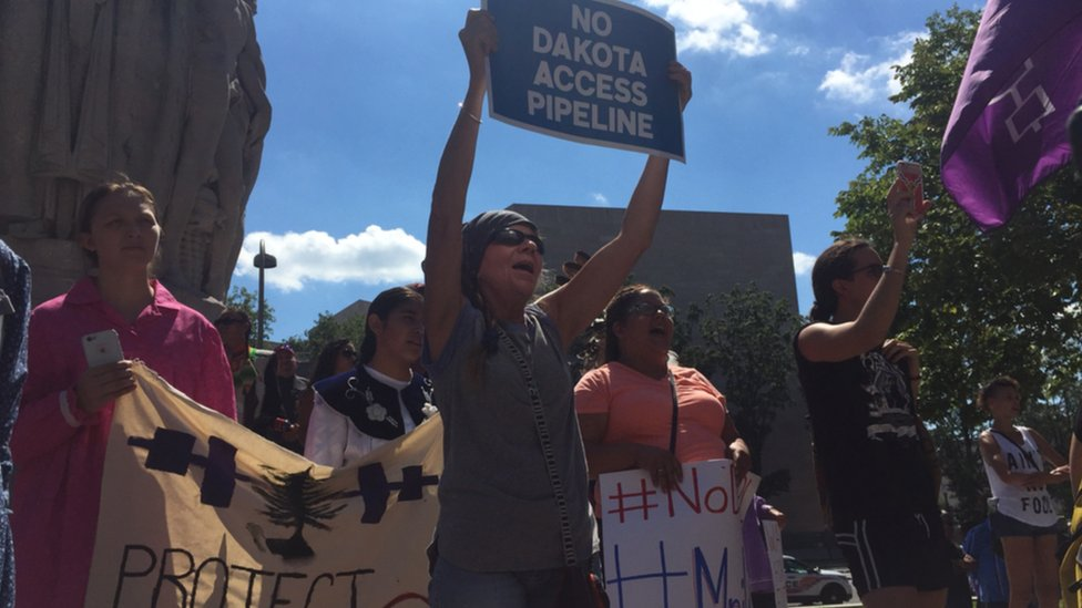 Protests over huge N Dakota oil pipeline