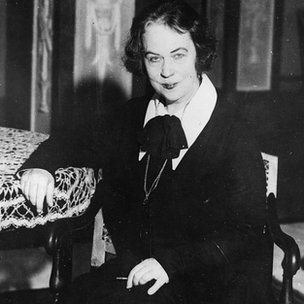 Kollontai fue la primera mujer embajadora del mundo.