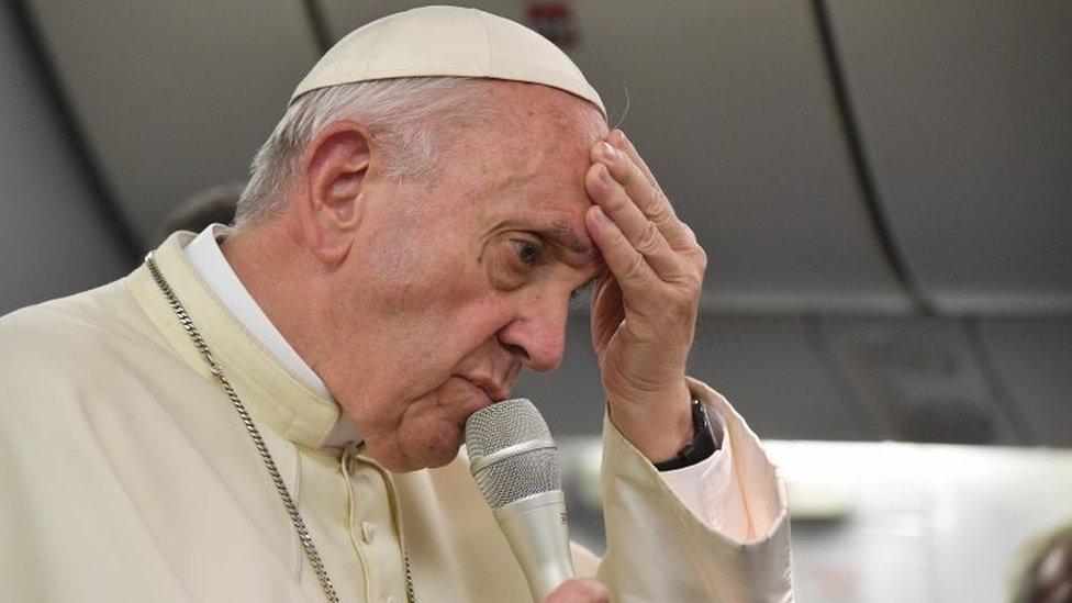 البابا فرانسيس يعتذر عن تصريحات أغضبت ضحايا الاعتداءات الجنسية