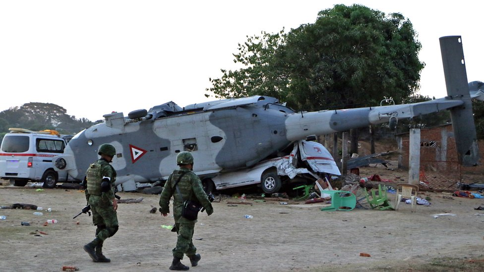Mexico earthquake: Helicopter crashes in emergency killing 14