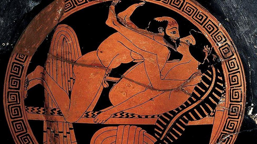 Dibujo erótico en cerámica griega del siglo VI a.C.