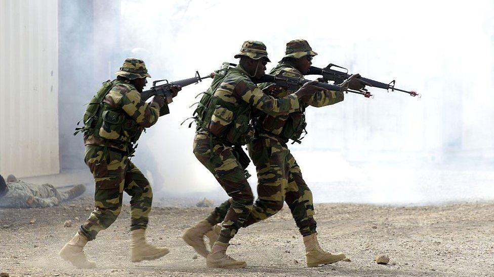 تدريبات عسكرية للقوات السنغالية