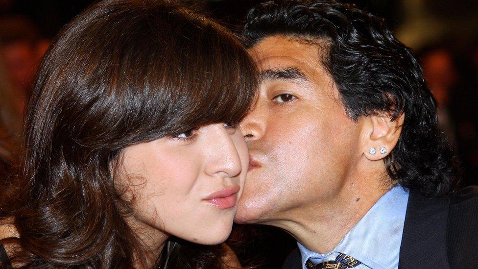Diego Armando Maradona y su hija Giannina