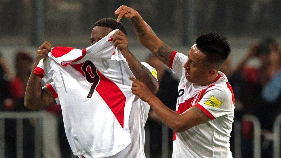 Celebración del gol peruano