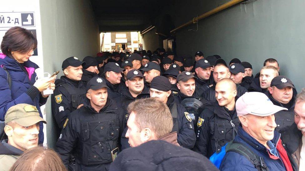 Правоохоронці заблокували активістів з наметами - Рух нових сил