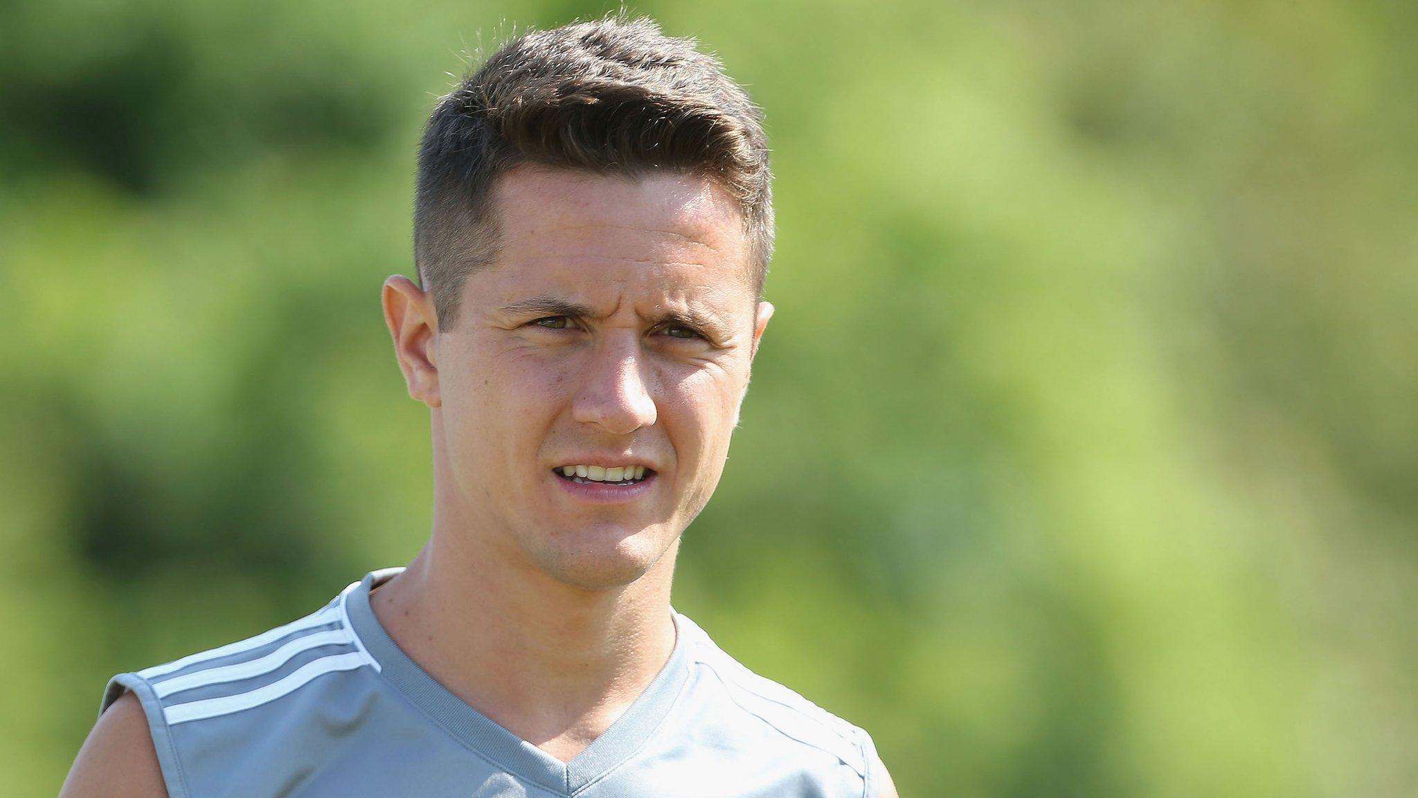 Barcelona want Herrera, Kane to reject Real Madrid - gossip
