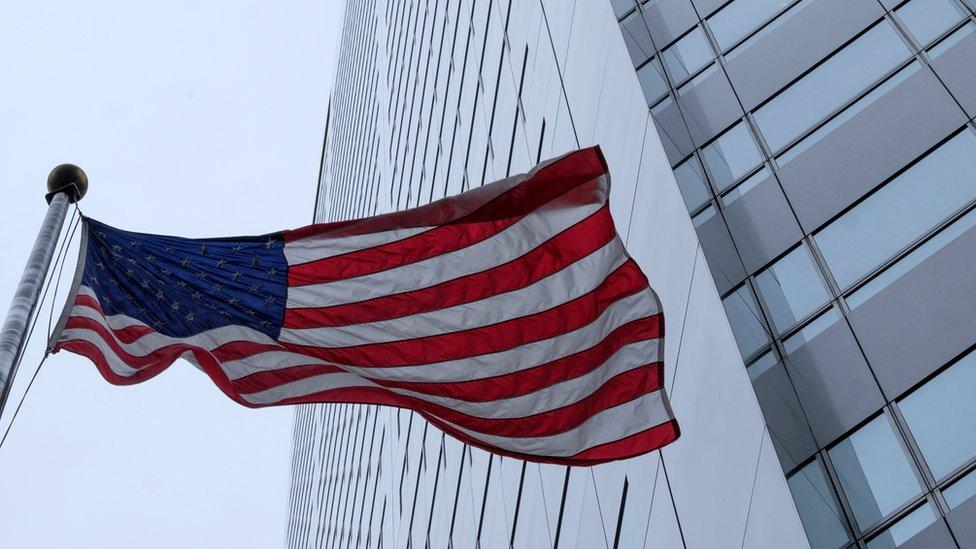Fachada del consulado ruso en Washington.
