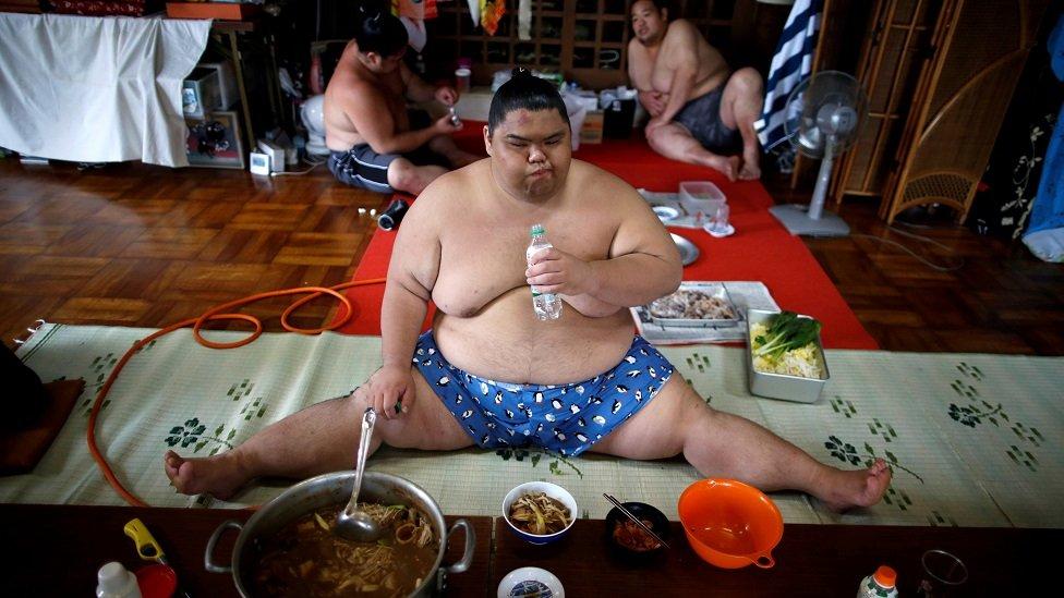 سومو پہلوان سانس کیسے لیتے ہیں