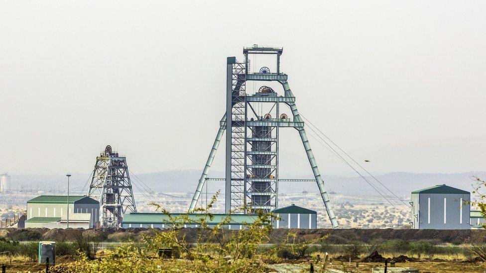 El paladio se extrae de minas de platino en Sudáfrica como un subproducto.