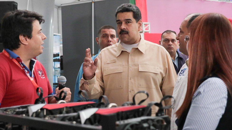El gobierno de Venezuela asegura tener listas las máquinas para el minado de criptomonedas.