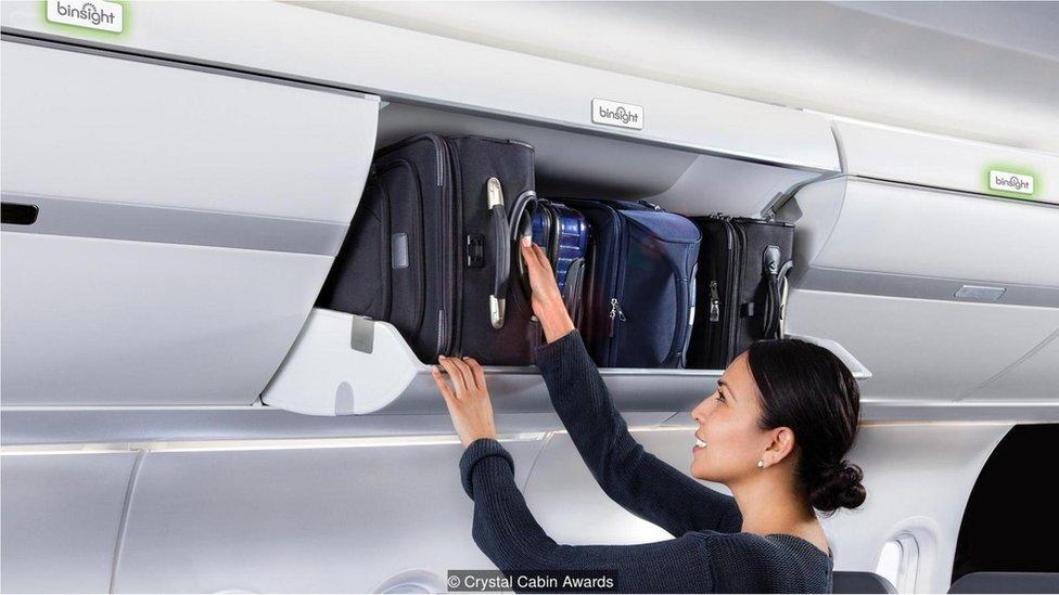 Una luz verde sobre cada compartimento se enciende cuando todavía hay espacio dentro. (Imagen cortesía de Crystal Cabin Awards)
