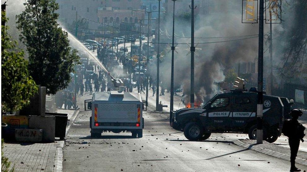 Enfrentamientos entre palestinos y fuerzas israelíes.