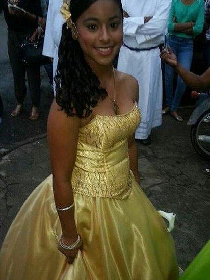 Emely Peguero en vestido de fiesta. (Foto: Familia Peguero)